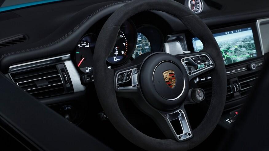 Электрический Porsche Macan