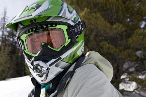 Снегоходный шлем: правила и критерии грамотного выбора